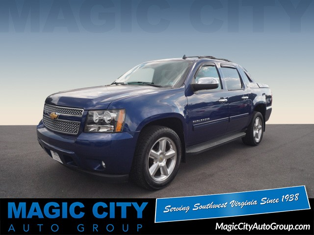 Pre-Owned 2013 Chevrolet Avalanche LS Black Diamond